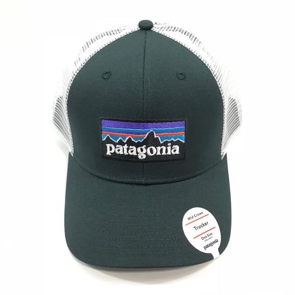 Patagonia Mid Crown P-6 Logo Trucker Hat - Black a9248b5183d3